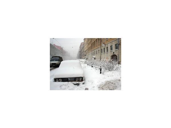 В снегопады первая «десятка» тоже буксует