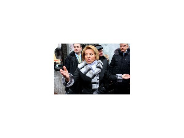 Валентина Матвиенко: Не можете убрать снег - вяжите носки