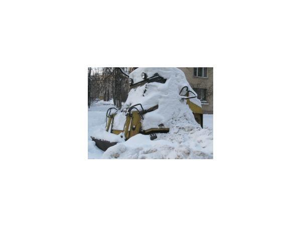 Четырем районам Петербурга на уборку снега выделено 72 миллиона
