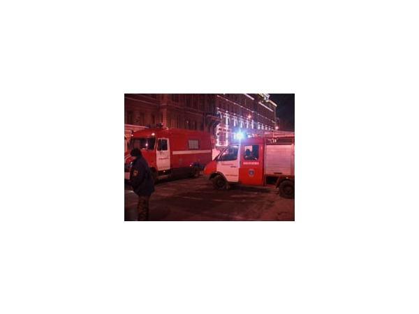 На Марата ночью горело заброшенное здание