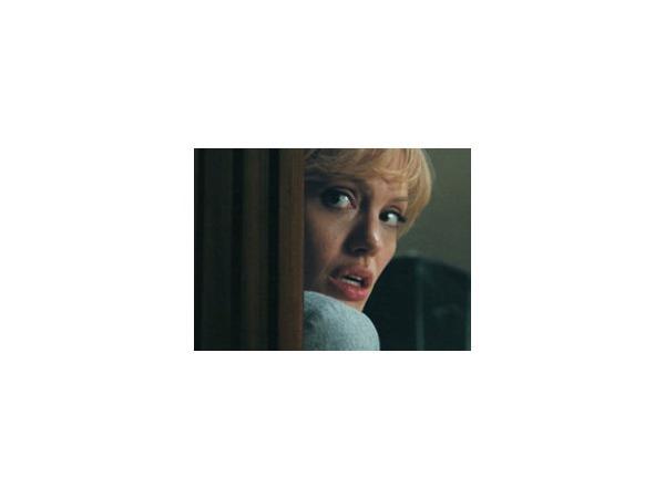 Красота спасет фильм: «Солт» Филипа Нойса