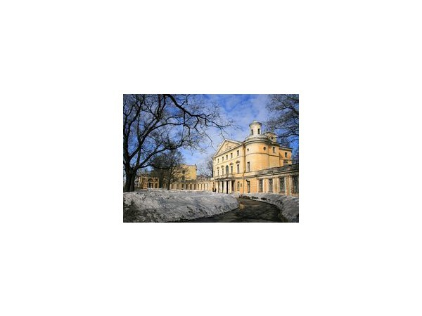 «Дипломатический» скандал вокруг дворца канцлера