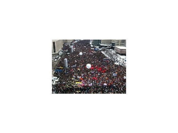 "Видео ""революции выходного дня"""