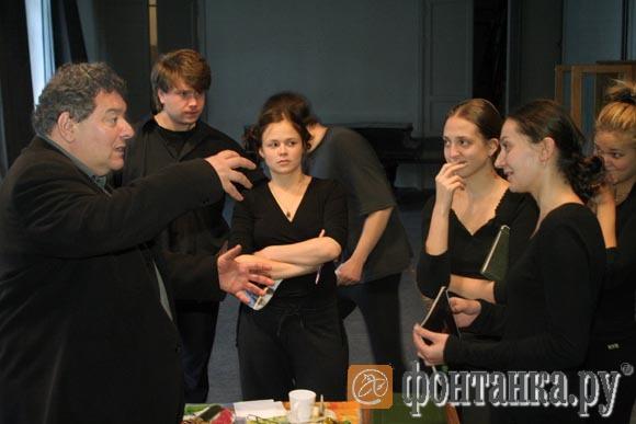 Со студентами Академии театрального искусства