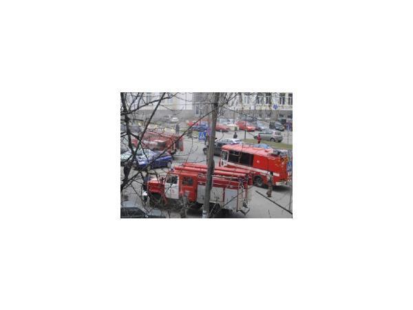 На углу Сердобольской и Белоостровской горел магазин