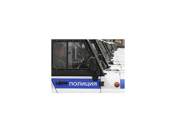 Сотрудники УВД Калининского района первыми получили машины с надписью «полиция»