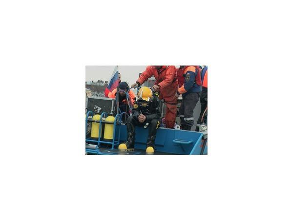 Поиски оператора «Вестей» приостановлены из-за зашедшего в акваторию Невы катера