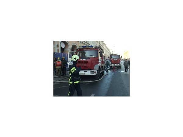 В Апраксином дворе тушили пожар по повышенному номеру сложности