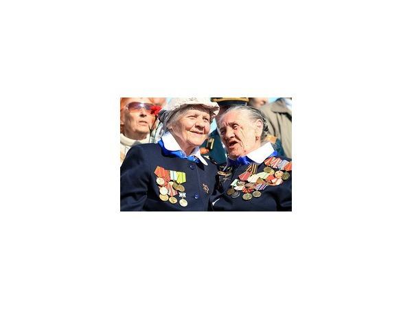 """Женское лицо и """"цифра"""" - парад Победы на Дворцовой"""