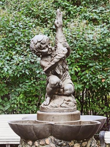 «Морской конь», фонтан на Савушкина, 83