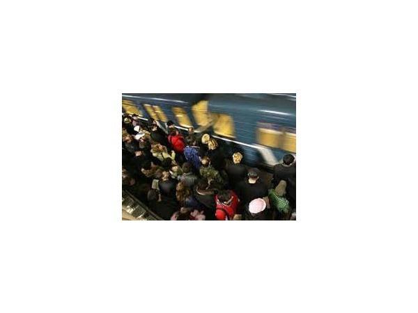 Взбесившийся поезд пролетел по метро