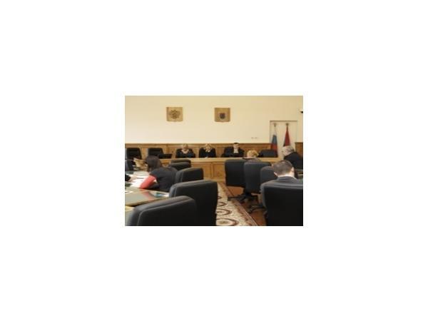 Эксцессы парламентской демократии: карельский опыт