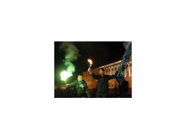 На Невском – гуляния в честь победы «Зенита»