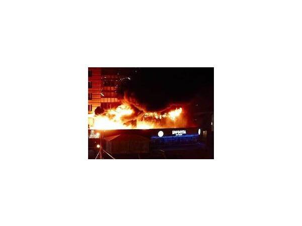 Очевидцы: На Комендантском горел ресторан «Бричмула»