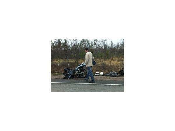 На Киевском шоссе  разбился мотоциклист. На месте ДТП собираются байкеры