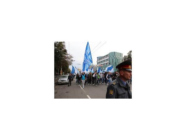 """Шествие фанатов """"Зенита"""" в Калининграде прошло без происшествий"""