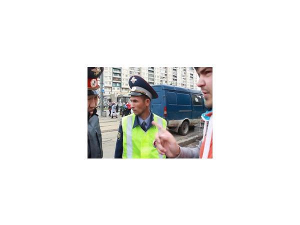 Нотация инспектору ДПС обошлась в 500 рублей