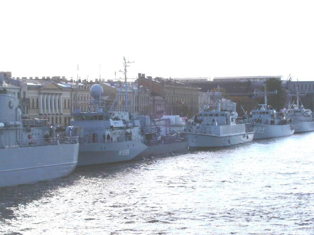 Визит первой постоянной минно-тральной группы НАТО в СПб  в 2004 году
