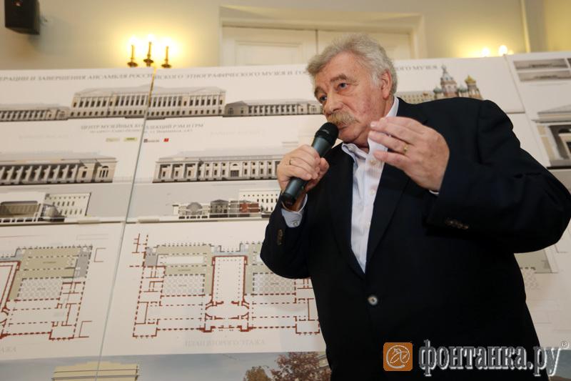 директор Росскийского этнографического музея Владимир Грусман