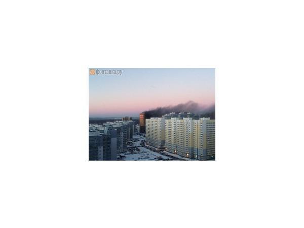 Читатели: горит жилой комплекс «Медный всадник»