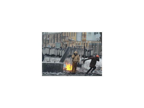 День соборности и свободы Украины Киев отмечает на баррикадах