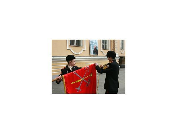 Суворовское училище покидает Садовую