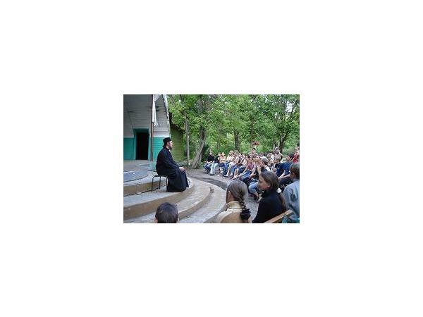 Смольный сделает детскую «Балтийскую звезду» православной