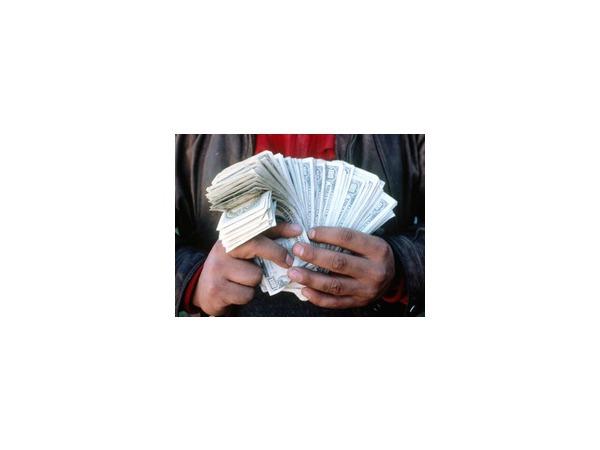 """Отмена """"упрощенки""""-2014 под видом поправок в Налоговый кодекс РФ: документ, против которого выступает бизнес-сообщество, осталось подписать лишь президенту России"""
