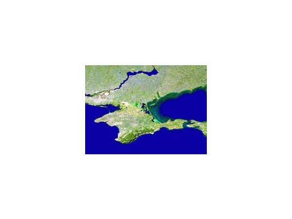 Автомобилистам рекомендуется отказаться от поездок в Крым с 18 по 20 сентября