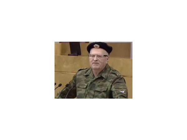 15 апреля Жириновский пришел в Госдуму в военной форме, фото и видео выложил ряд крупных новостных агентств