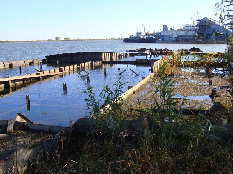 Территория торгового порта Оля до реконструкции причалов
