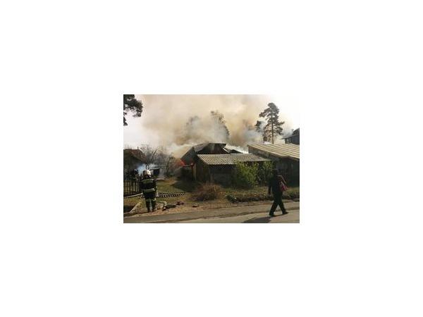 Два серьезных пожара в Приморском районе локализованы