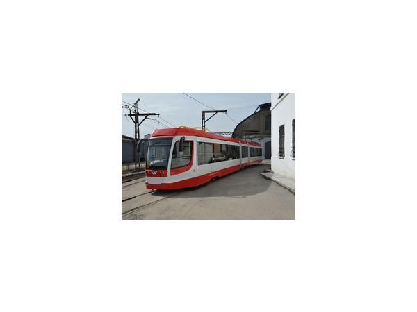 Новые трамваи опять не доехали до Петербурга