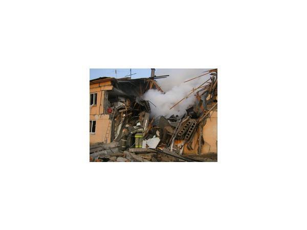 В жилом доме в Омской области взрыв газа: 9 человек в больнице, 3 погибли