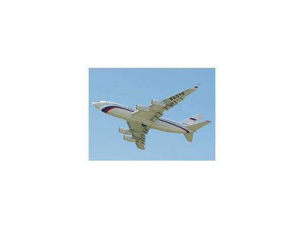 Самолет не смог вовремя вылететь из Домодедово из-за расплавленного асфальта