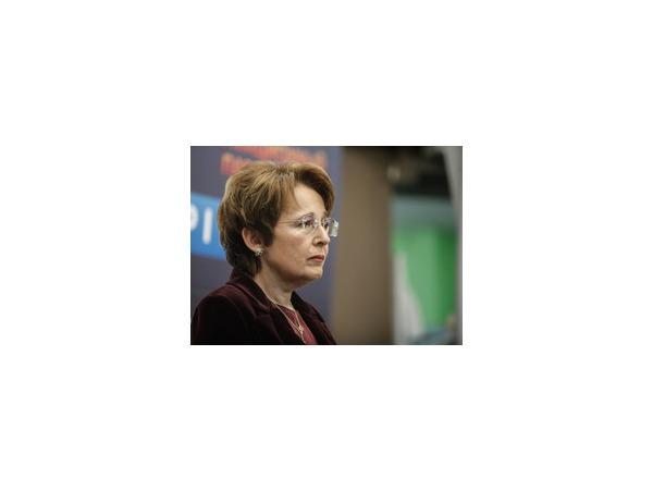 Надежды Дмитриевой на помощь «ЕдРа» разбились о Неверова