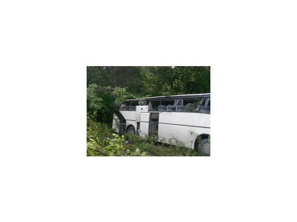 9 июля 2014 года в Краснодарском крае произошли две крупные аварии (фото) - перевернулись автобус с детьми и грузовик
