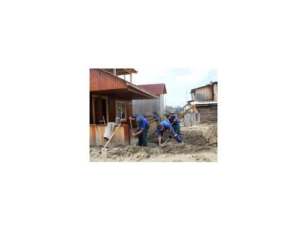 В пострадавшем от паводка Аршане проводятся противоэпидемические мероприятия