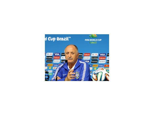 Сборная Бразилии попрощалась с тренером Луисом Фелипе Сколари