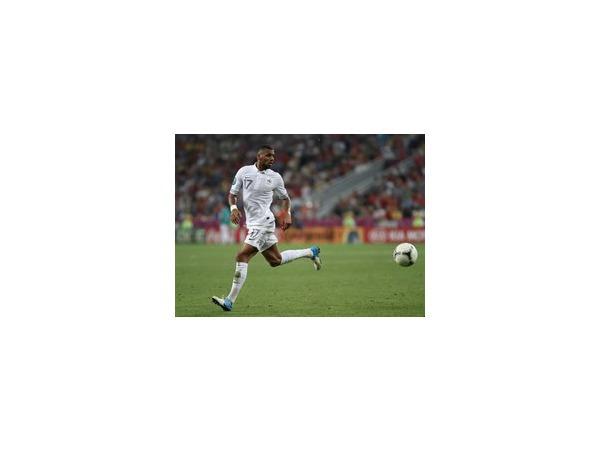 Ближайший сезон футболист Янн М'Вила проведет в клубе «Интер» на правах аренды
