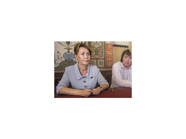 Ирина Иванова сдала 163 подписи муниципальных депутатов