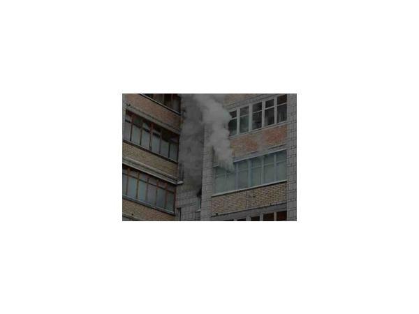 Женщина пострадала в результате пожара в доме на юго-западе Москвы