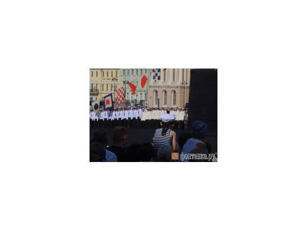Парад военных кораблей на Неве в честь Дня ВМФ открыт