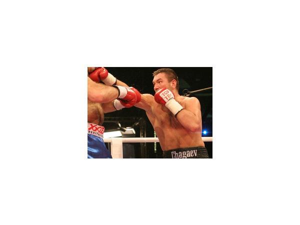 Кто победил в бою Чагаев - Окендо - удалось ли узбекскому боксеру завоевать титул чемпиона на глазах Рамзана Кадырова