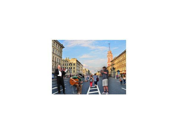 Летом 2015 года в центре Петербурга будут созданы две пешеходные зоны