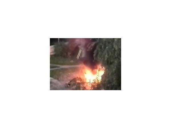 Полиция разбирается, как сгорел трактор на стройплощадке «Воин-В» в Александрино