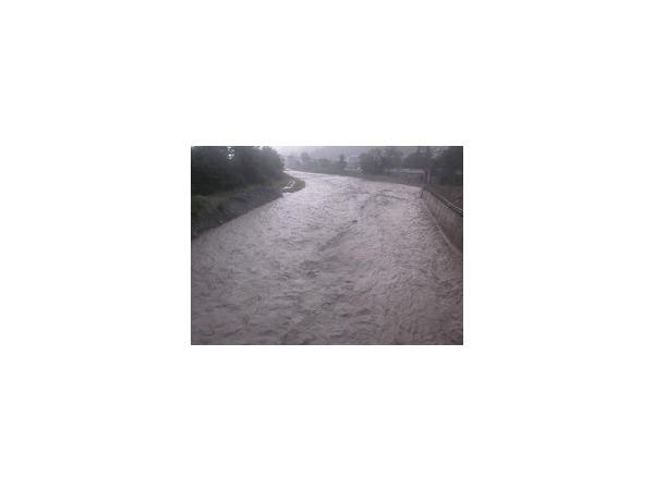 8 июля 2014 года Туапсе затопило (видео): на город вылилась месячная норма осадков, автомобили сносило бурным речным потоком