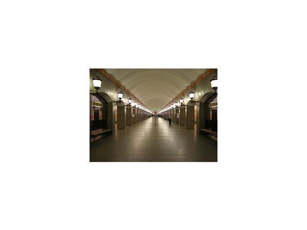Спасатели МЧС проведут учения в петербургском метро в тоннеле между станциями «Садовая» и «Достоевская»