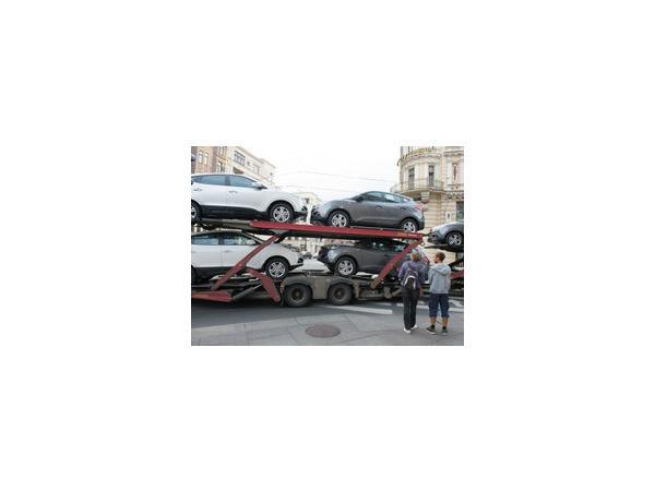 """""""Ведомости"""": Россия может ввести новые санкции против ЕС и США - по данным источника, может быть ограничен импорт авто и медоборудования"""