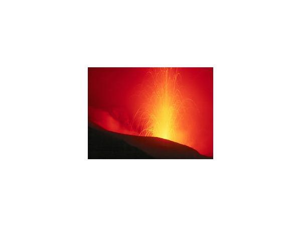 Вулкан Бардарбунга проснулся и, по прогнозам вулканологов, в Исландии можно ожидать повторения катастрофического для авиации Европы извержения вулкана в 2010 году